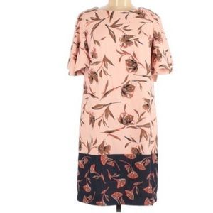 Gibson Latimer Cape-Back Floral Short Sleeve Dress